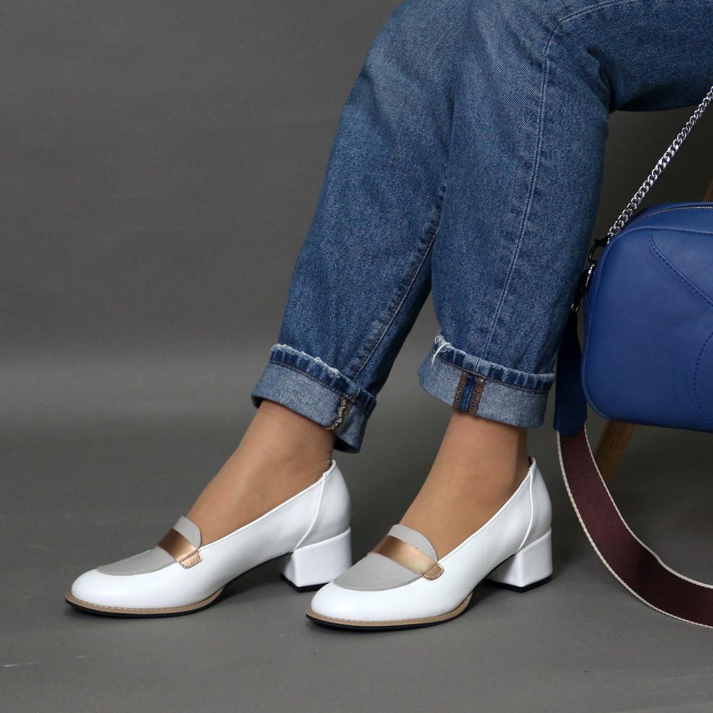 Лоферы с каблуком 4 см, цвет белый