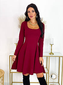 Короткое приталенное платье 50-607