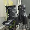 Ботинки женские черные на высоком устойчивом каблуке. Натуральная кожа с тиснением питон, фото 2