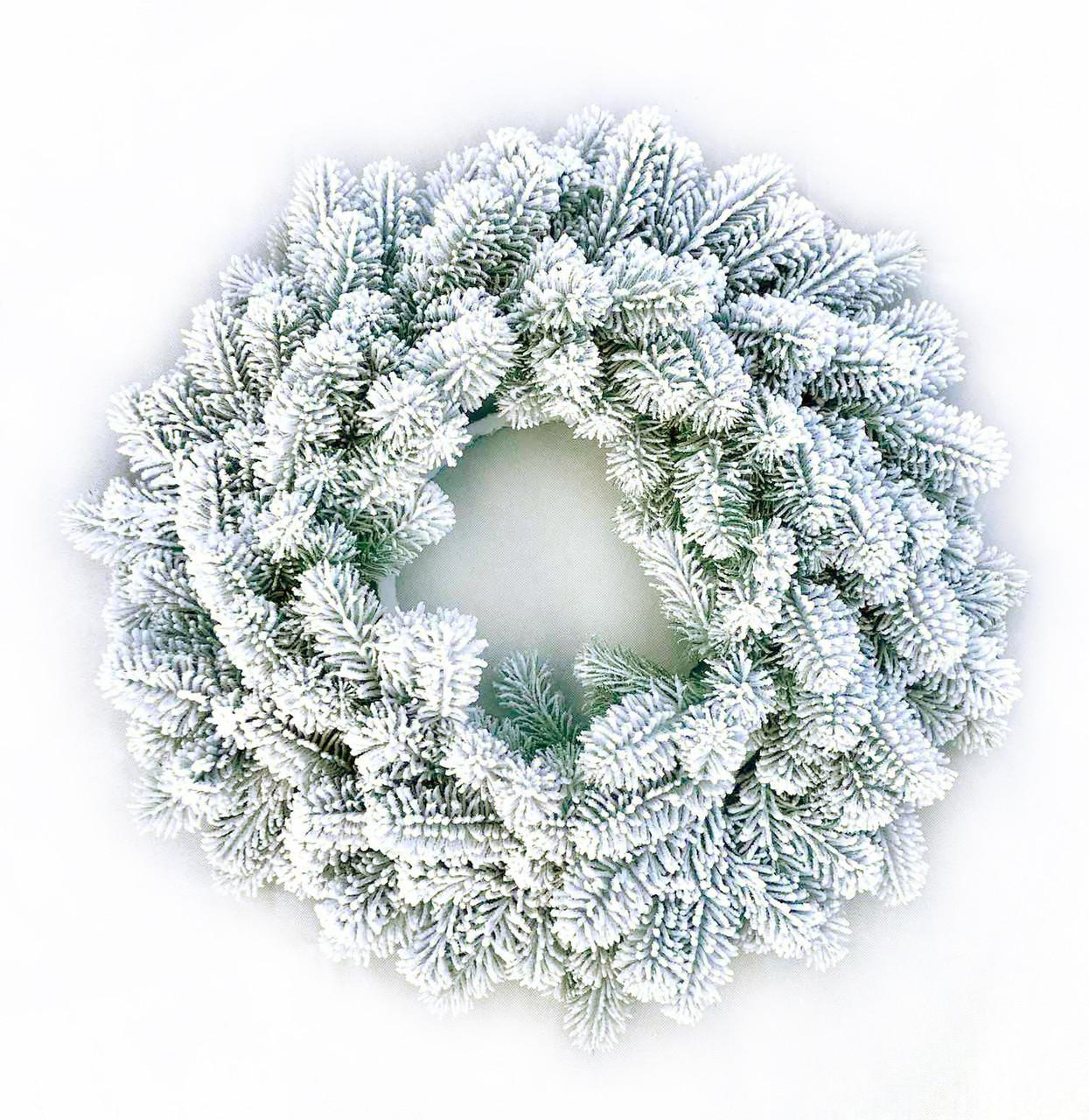 Венок новогодний рождественский из искусственной литой хвои от производителя (заснеженный, Ø 45 см)