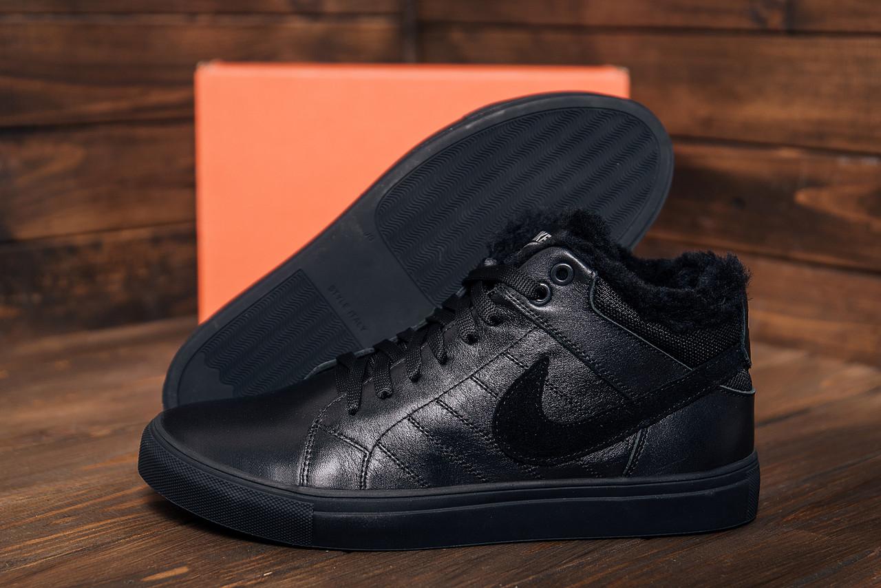 Высокие кожаные мужские ботинки черного цвета зима