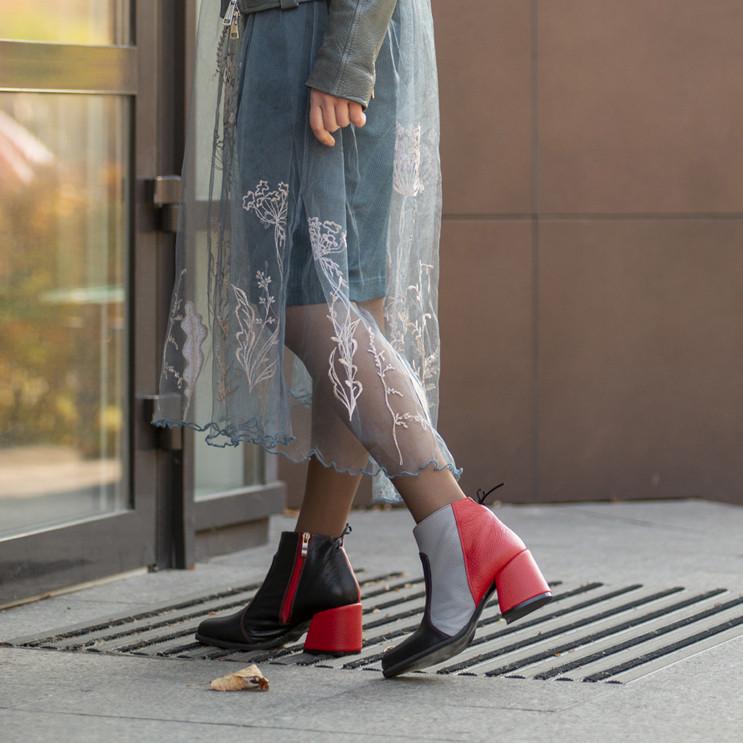 Ботинки с контрастной молнией, каблук 6см, цвет черный/ серый/ красный