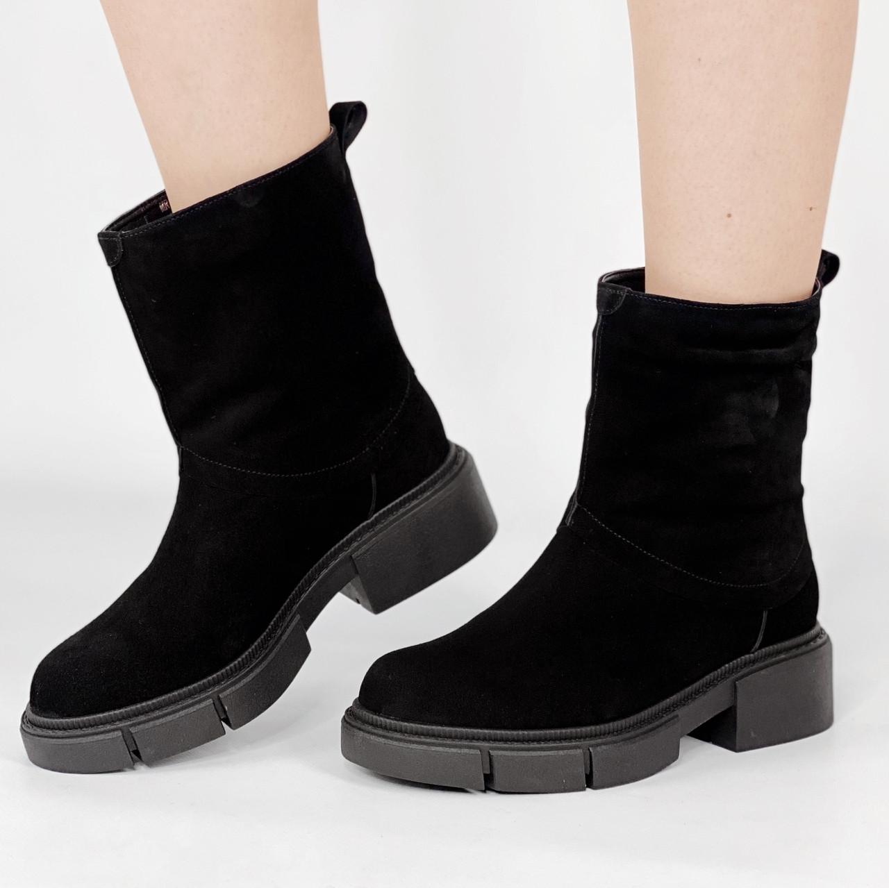 Ботинки стильные женские замшевые черные без застежки MORENTO зимние