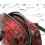 Сумка-багет со съемным декором и кожей под питон, цвет черно-красный, фото 5