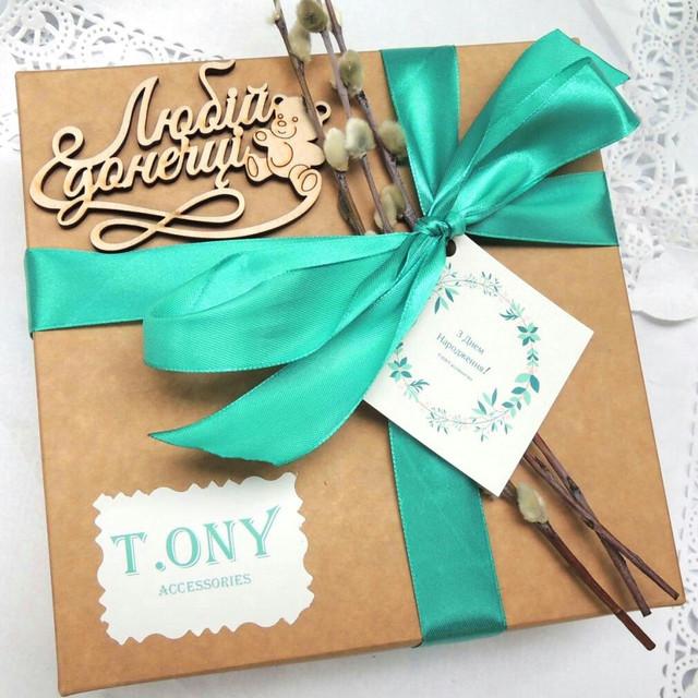 Деревянные слова для декора упаковки подарков