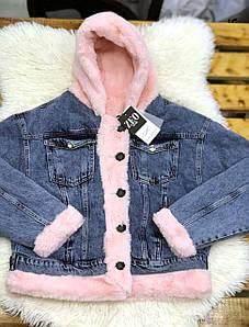 Джинсовая женская куртка с меховым капюшоном S-XL (в расцветках)