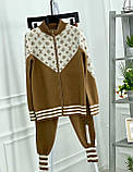 Женский брендовый вязаный костюм с логотипами, в синем цвете, р.42/46, фото 4