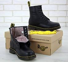 Зимові жіночі кросівки і черевики