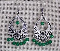 Индийские серьги с зелёными бусинами