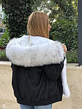 Черный бомбер парка с натуральным мехом белой арктической лисы, фото 2