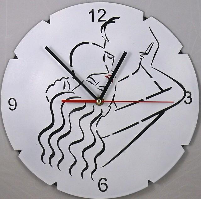 Настенные часы из виниловых пластинок Соблазнение 2