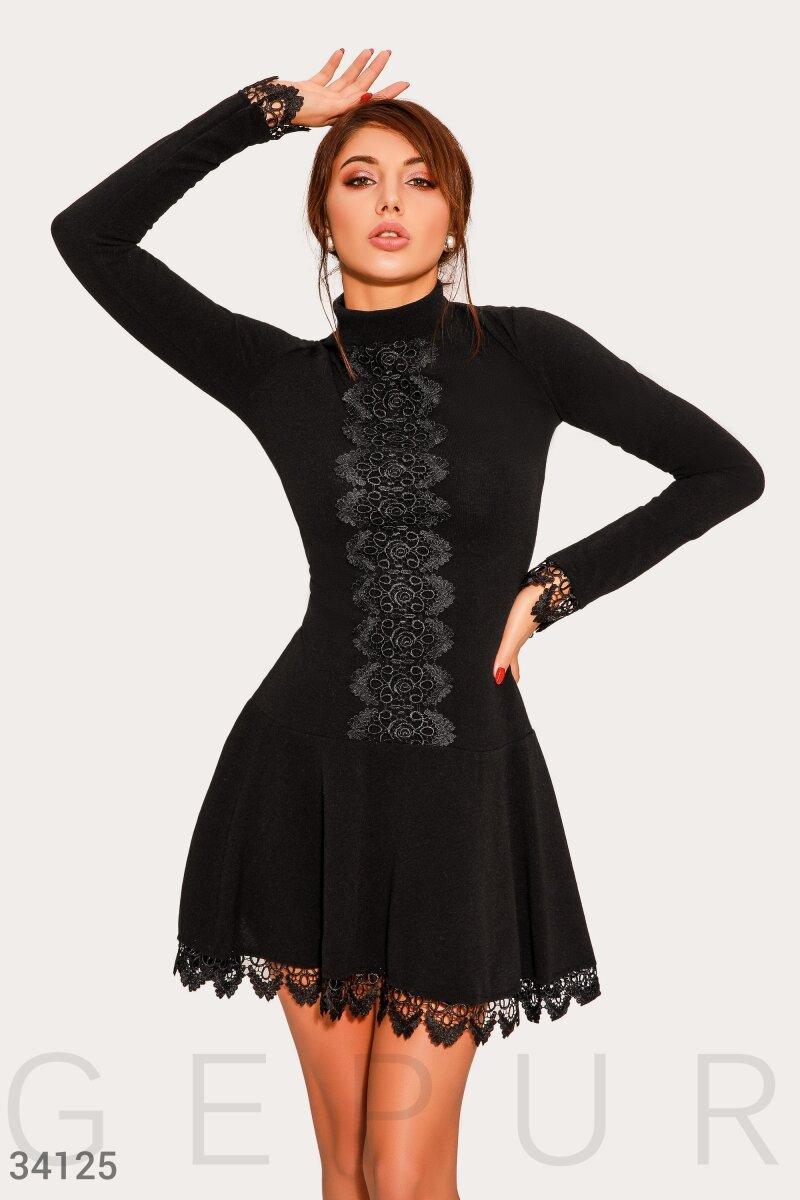 Платье женское с кружевным декором
