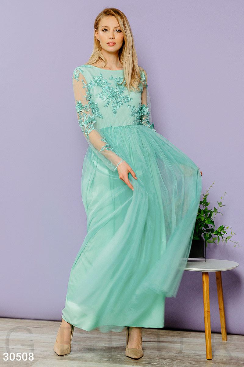 Платье женское-макси с вышивкой