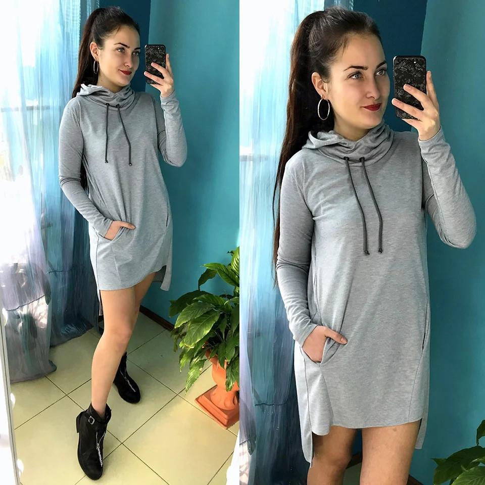 Платье спортивного стиля с капюшоном и карманами