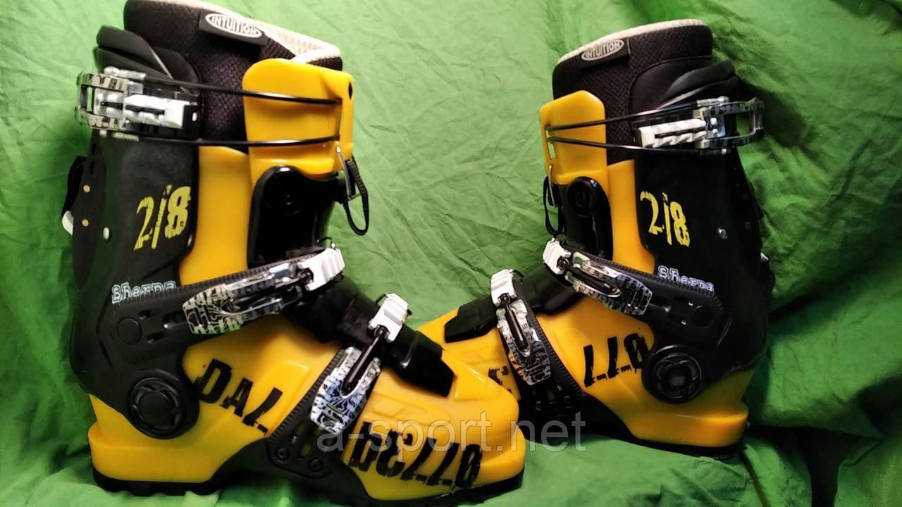 Гірськолижні черевики для скітуру Dalbello Sherpa 2/8 24.5 см