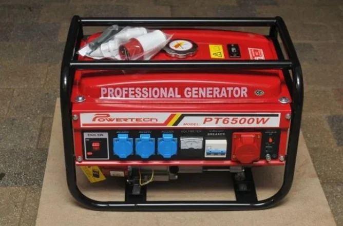 Бензиновый генератор Powertech PT6500WE 4.5 Кв 3-х фазный ручной стартер
