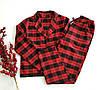 Женская теплая пижама для дома и сна с рубашкой и штанами в клеточку бордового цвета из фланели