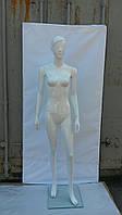 Манекен женский глянцевый белый