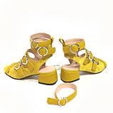 Босоножки-гладиаторы с каблуком 4см, цвет желтый, фото 4