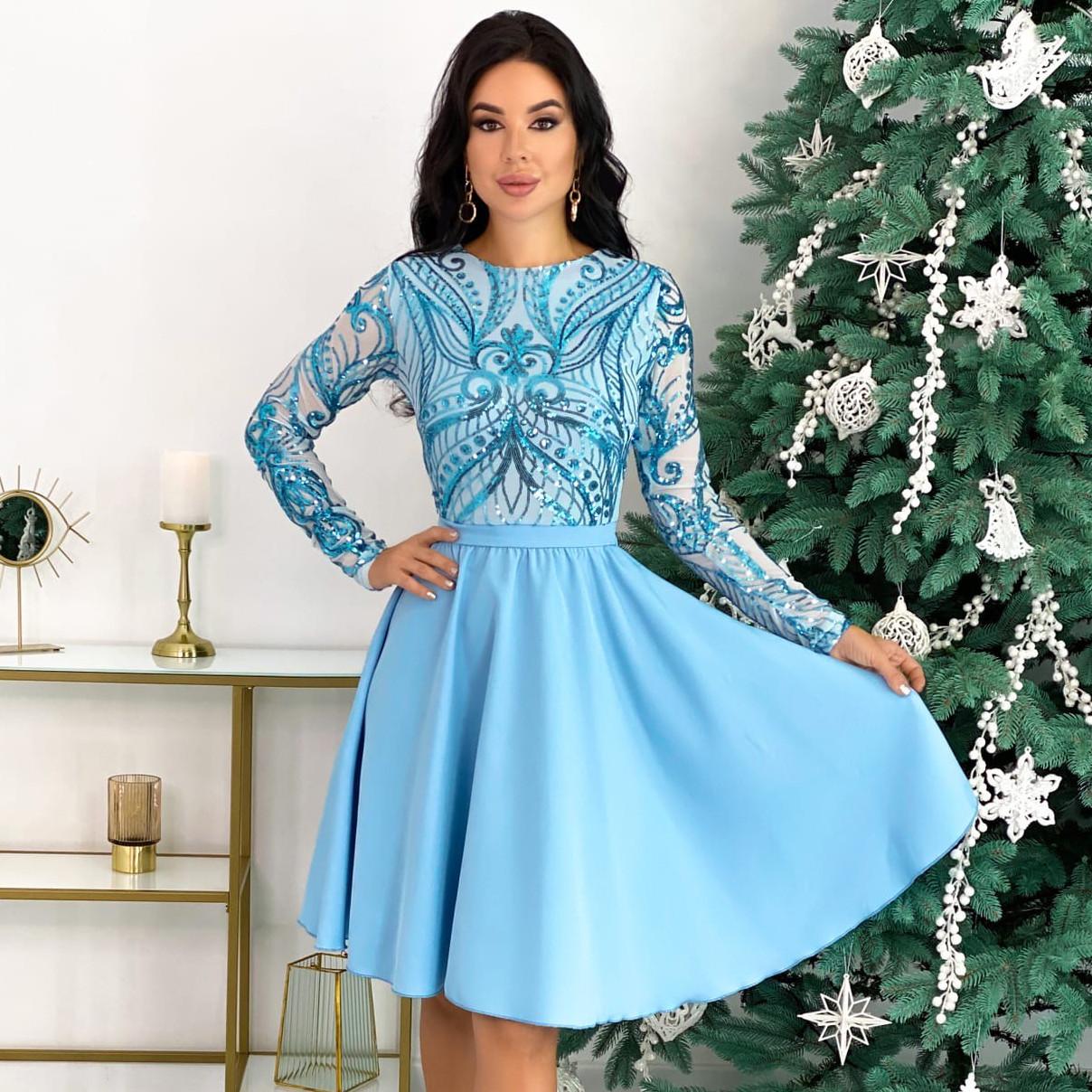 Женское голубое нарядное платье с пайетками
