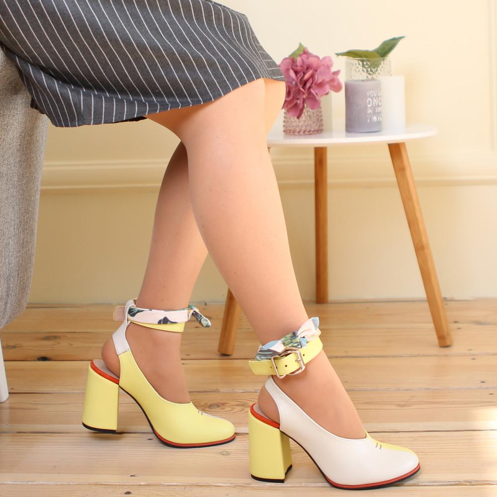 Глубокие туфли с открытой пяткой, каблук 8см, цвет молочный беж/ жёлтый, в наличии размер 37