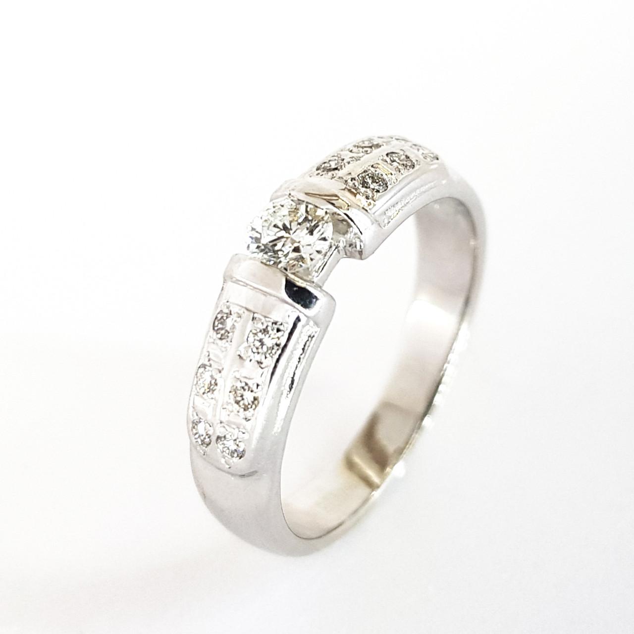 Золоте кільце з білого золота з діамантами доріжка 16.5 розмір