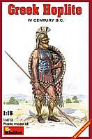 Греческий Гоплит IV век до н. э.. Пластиковая фигура для сборки в масштабе 1/16. MINIART 16013