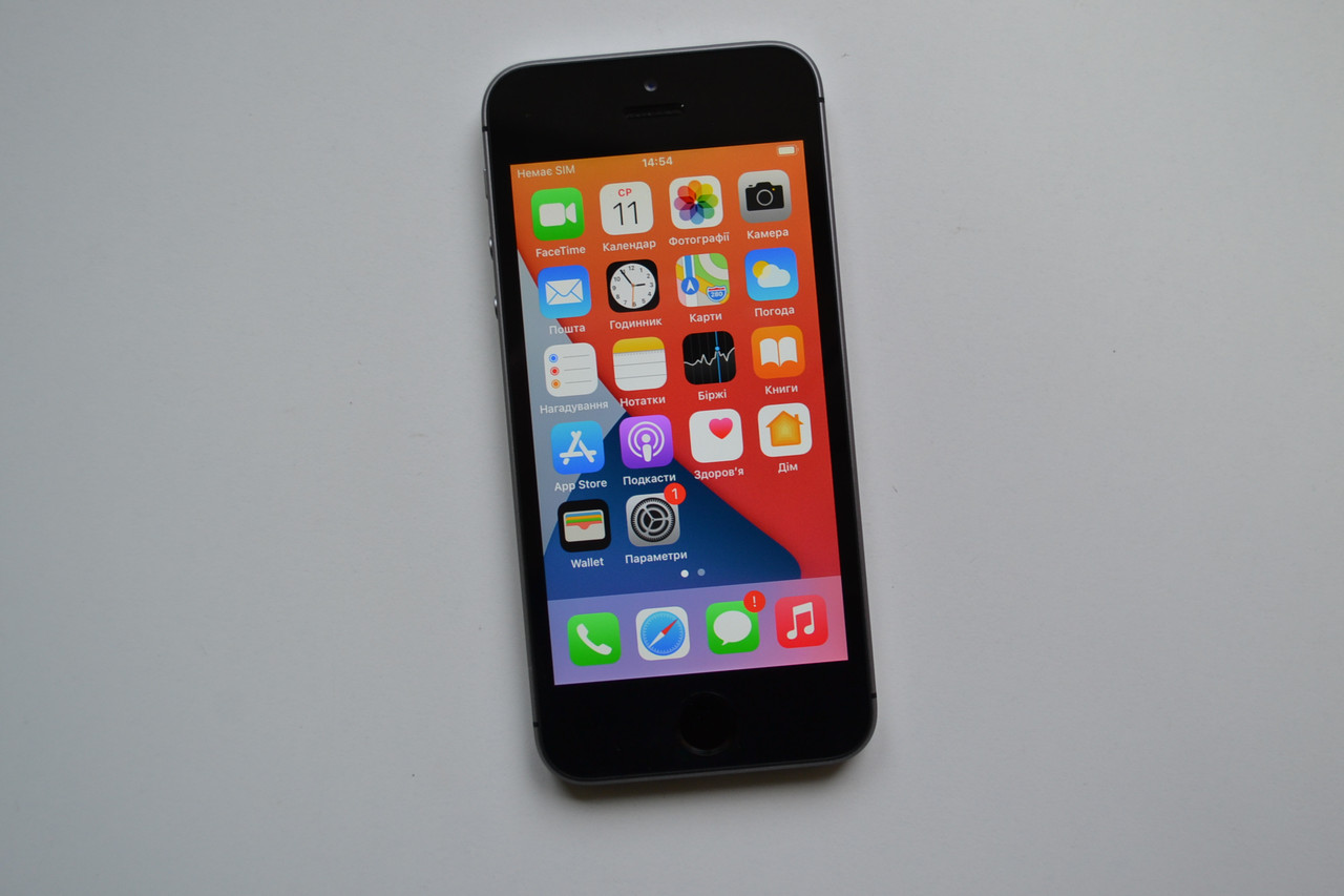 Apple iPhone SE 32Gb Space Gray Оригинал!