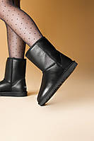 Зимние женские угги с натуральным мехом UGG Classic Short Black Leather, фото 1
