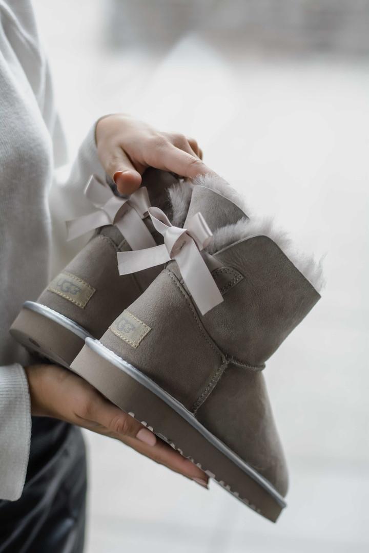 Зимние женские угги с натуральным мехом UGG Mini Baley Bow Gray серые