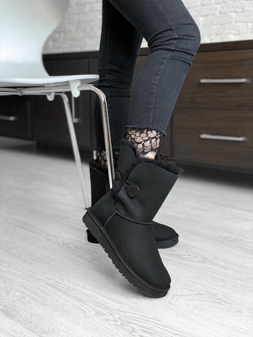 Зимние женские угги с натуральным мехом UGG Bailey Button Black замша чёрные