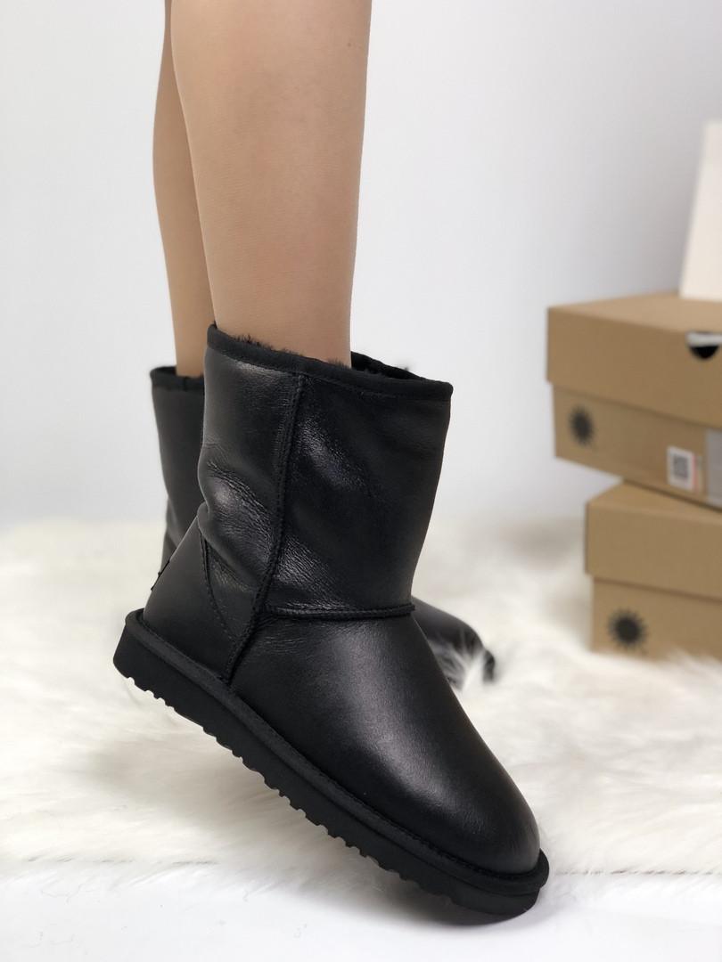Зимние женские угги с натуральным мехом UGG Classic Black Leather кожа чёрные