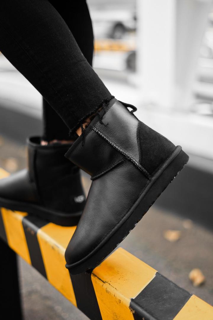 Зимние женские угги с натуральным мехом Ugg Classic Short Metallic Black чёрные