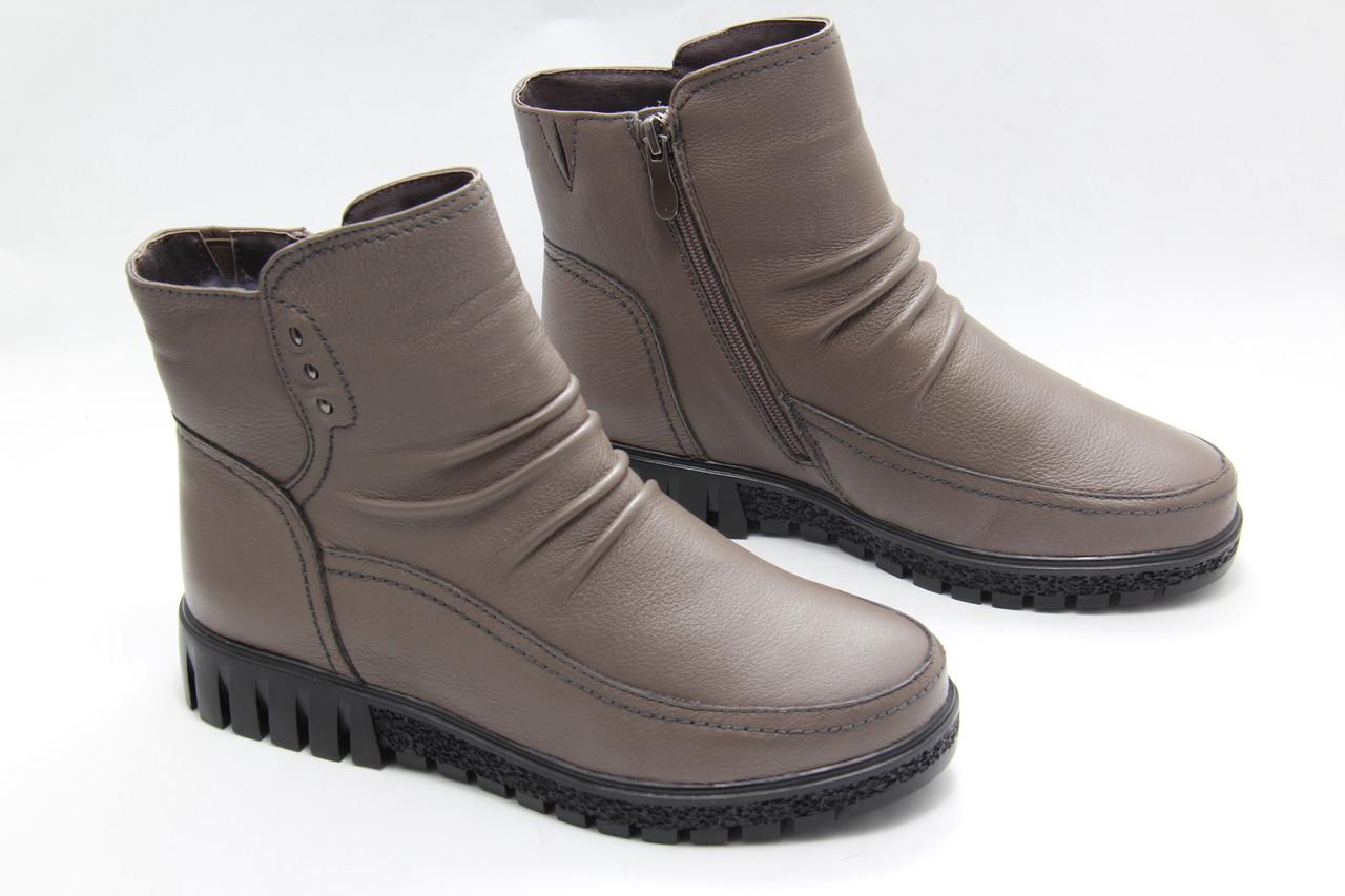Зимові чоботи на плоскій підошві MeegoComfort M8034