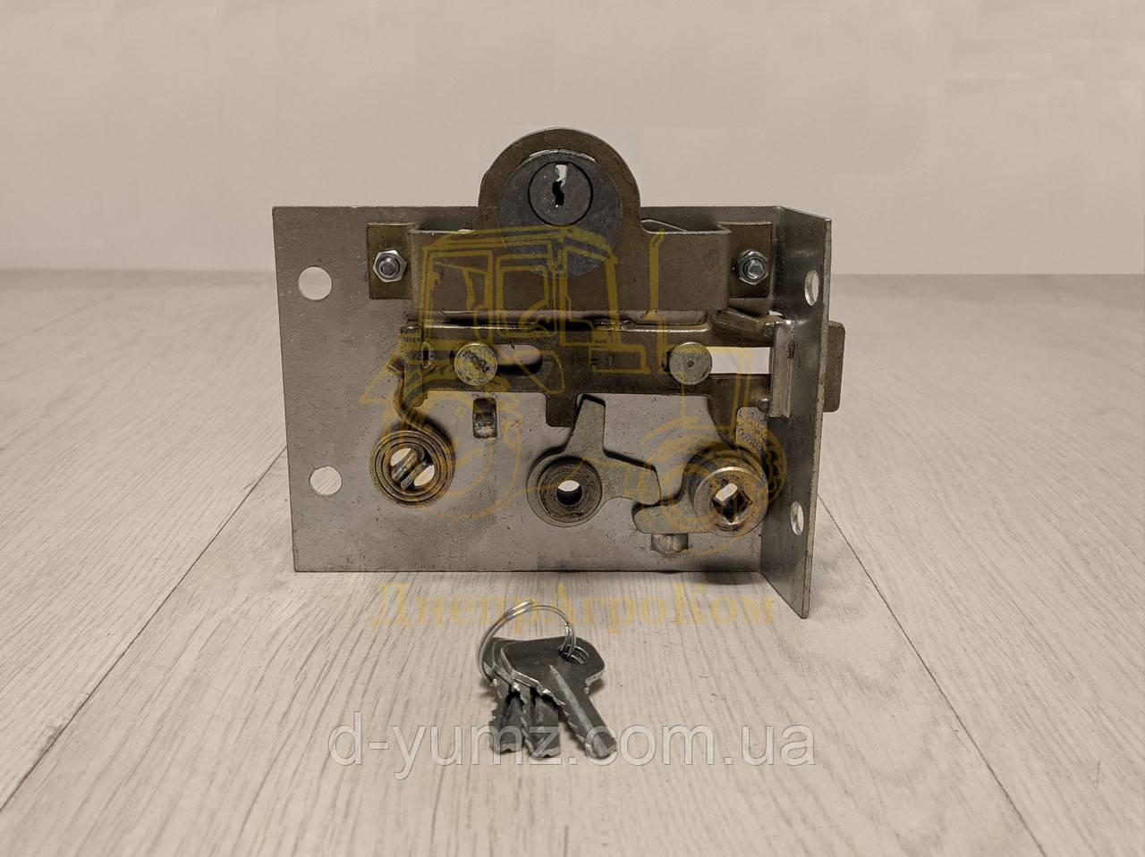 Замок з циліндровим механізмом двері лівою кабіни ЮМЗ (з ключем) 45-6709000 А1 СБ