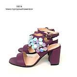 Замшевые босоножки на каблуке и декором с пайетками, цвет беж/бронза, фото 5