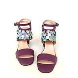 Замшевые босоножки на каблуке и декором с пайетками, цвет беж/бронза, фото 6