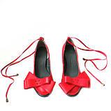 Кожаные красные туфли с бантами и завязками, фото 3