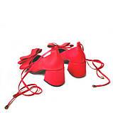 Кожаные красные туфли с бантами и завязками, фото 4