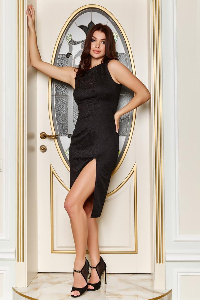 Вечернее чёрное платье с люрексом с разрезом