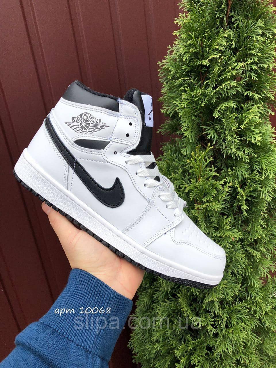 Чоловічі зимові шкіряні кросівки Nike Air Jordan 1 Retro білі з чорним лого
