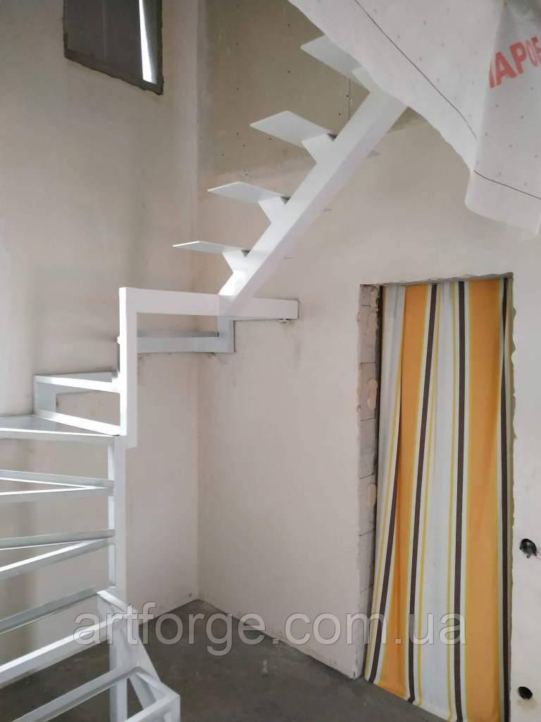 Комбинированный каркас лестницы.