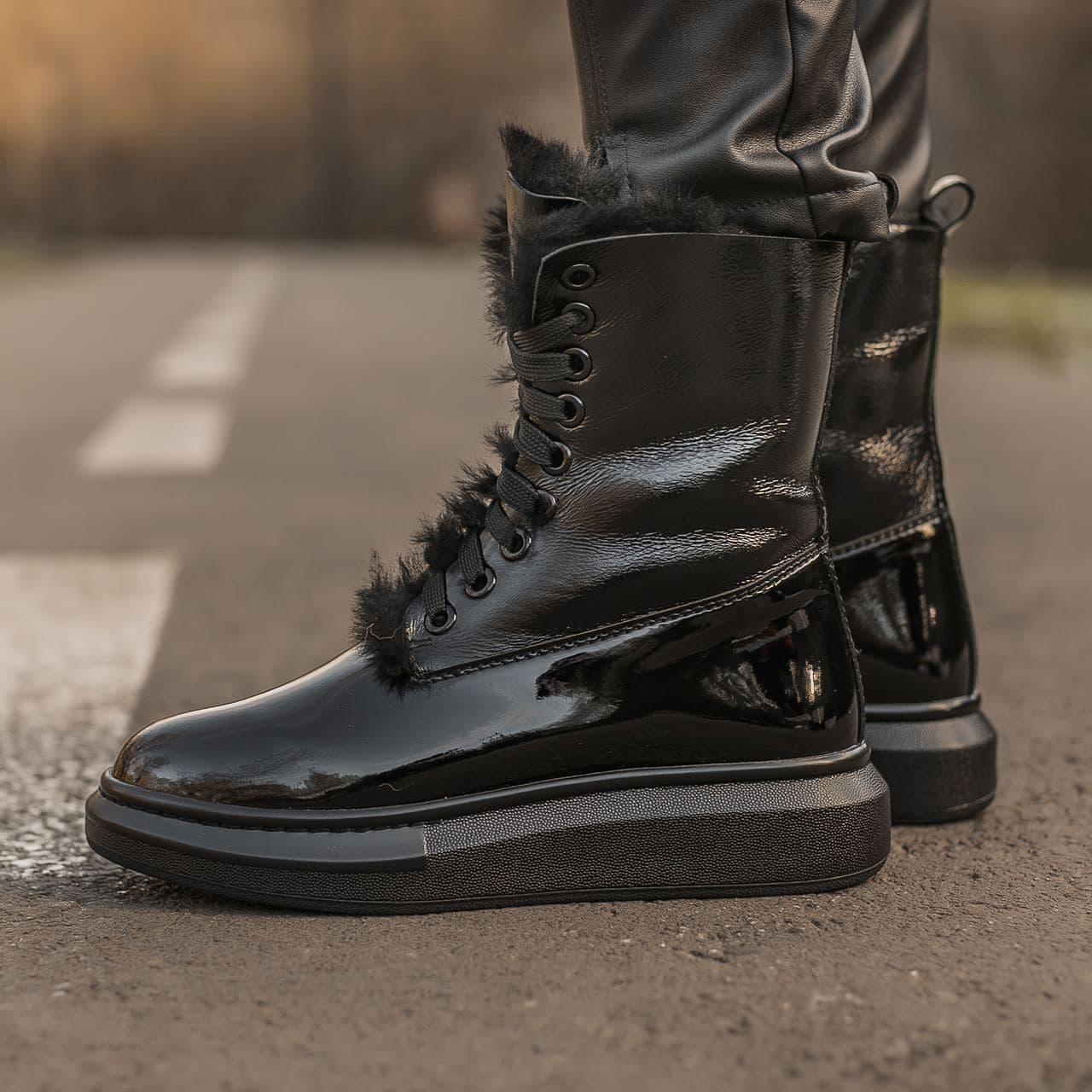 """Зимние ботинки с мехом Alexander McQueen Luxury Boot Fur """"Черные"""""""