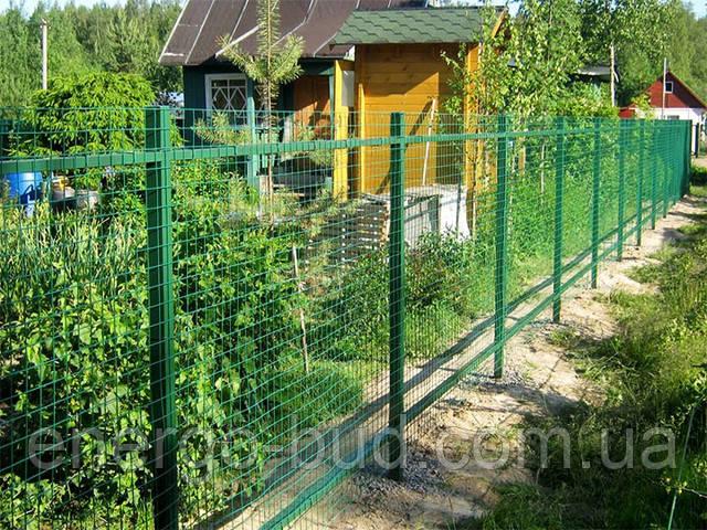 Забор из сварной сетки на даче