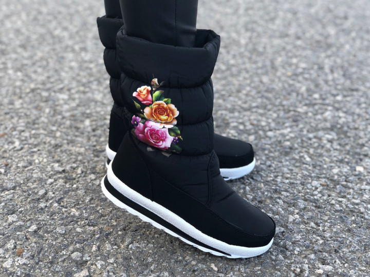 """Жіночі чобітки дутики """"Квіти"""""""
