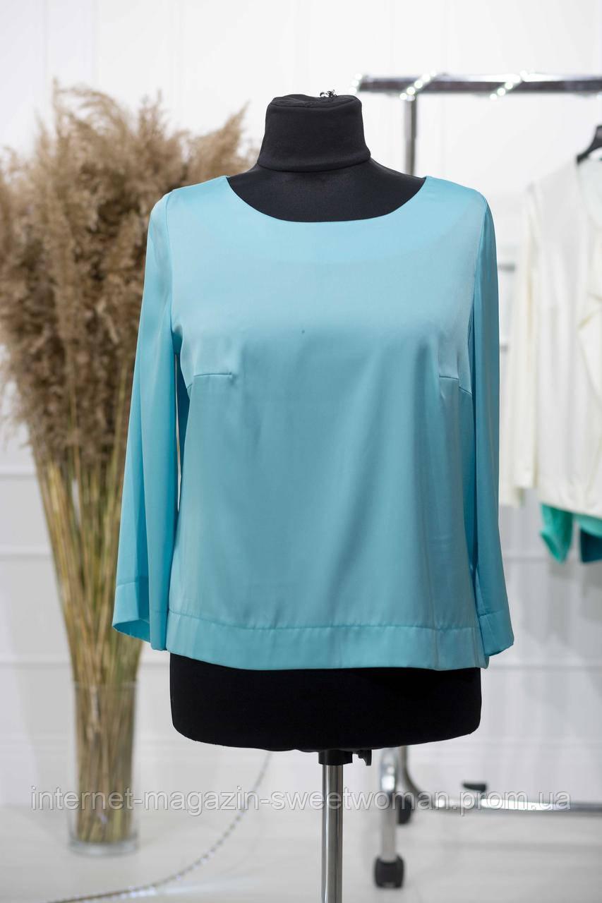 Блакитна блуза