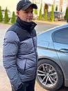 Мужская стеганая куртка с карманами по бокам, и контрастными вставками на плечи., фото 6
