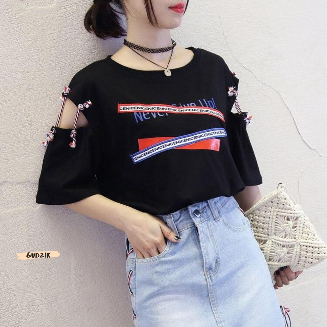 Женская футболка с надписями свободного кроя
