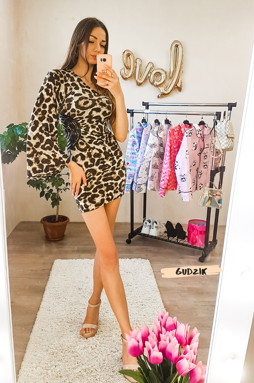 Женское платье с одним рукавом леопард
