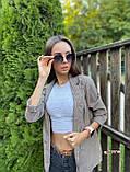 Женский пиджак в коричневую клетку мелкой гусиной лапки с карманами оверсайз, фото 4